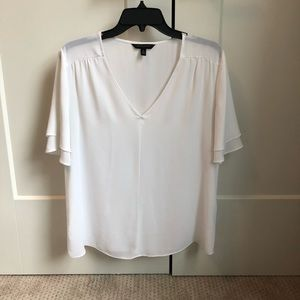 Banana Republic Free Flowing Short Sleeve Blouse